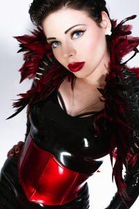 Lady Ashley Inferno | sm-bahnhof